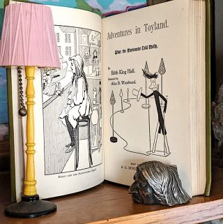 Adventures in Toyland. What the Marionette Told Molly